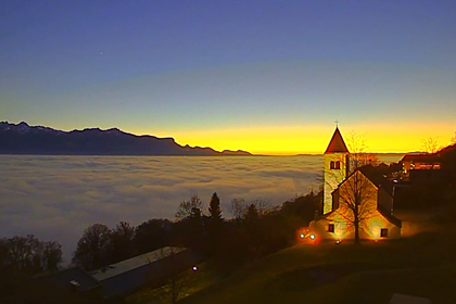 Sunrise and  clouds  on  Léman  lake